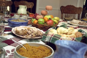 Turkey_dinner_with_family_and_friends