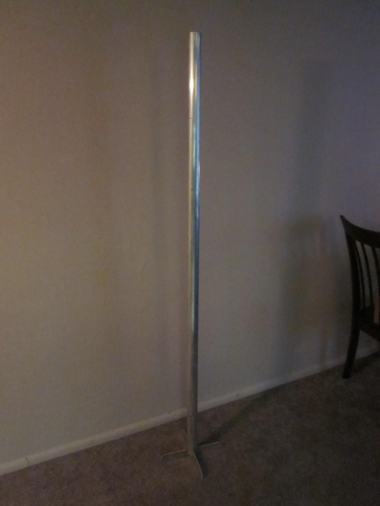 picture of a festivus 2016 pole